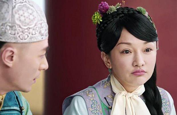 Loạt chị đại cưa sừng làm nghé nhức mắt nhất phim Trung: Chương Tử Di hóa em gái 15 chưa là gì với số 6 thảm họa một thời - Ảnh 13.