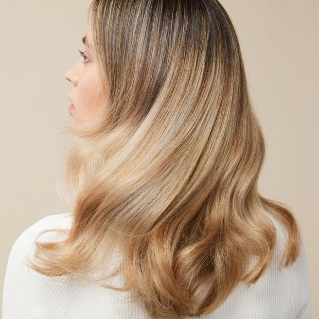 Gội, xả, dầu dưỡng có đủ nhưng cớ sao tóc vẫn chưa đẹp, ấy là vì bạn quên xịt bảo vệ tóc rồi - Ảnh 1.
