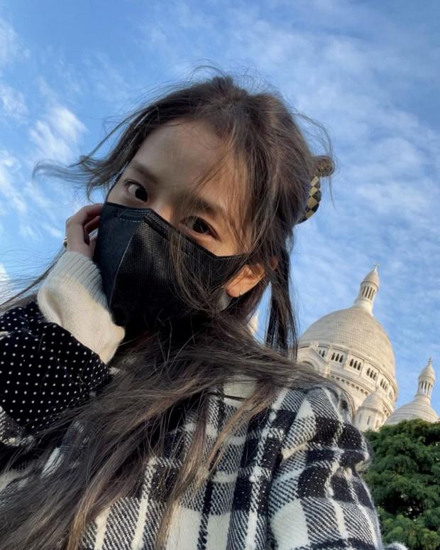 Jisoo - Jennie (BLACKPINK) hẹn hò giữa Paris Fashion Week, nhìn mặt mộc mà netizen phải thốt lên: Thể nào được tôn là biểu tượng nhan sắc! - Ảnh 10.