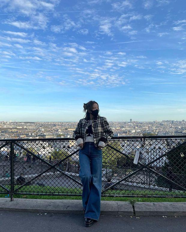 Jisoo - Jennie (BLACKPINK) hẹn hò giữa Paris Fashion Week, nhìn mặt mộc mà netizen phải thốt lên: Thể nào được tôn là biểu tượng nhan sắc! - Ảnh 12.