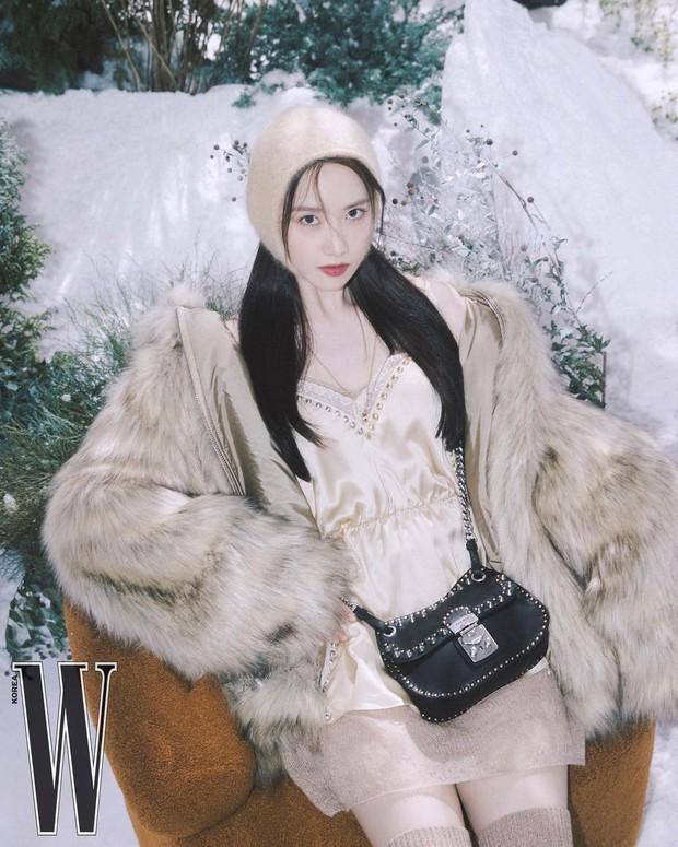 Trắng như Bạch Tuyết là có thật! 1 nữ thần xứ Hàn vừa khiến MXH xôn xao vì màn phô diễn làn da như truyền thuyết - Ảnh 5.