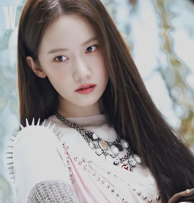 Trắng như Bạch Tuyết là có thật! 1 nữ thần xứ Hàn vừa khiến MXH xôn xao vì màn phô diễn làn da như truyền thuyết - Ảnh 2.