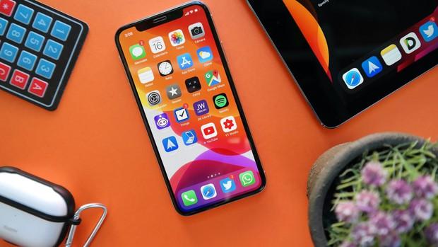 """Không phải iPhone 14 Pro Max """"siêu to"""", chiếc iPhone hot nhất năm sau của Apple sẽ là phiên bản giá rẻ này! - Ảnh 1."""