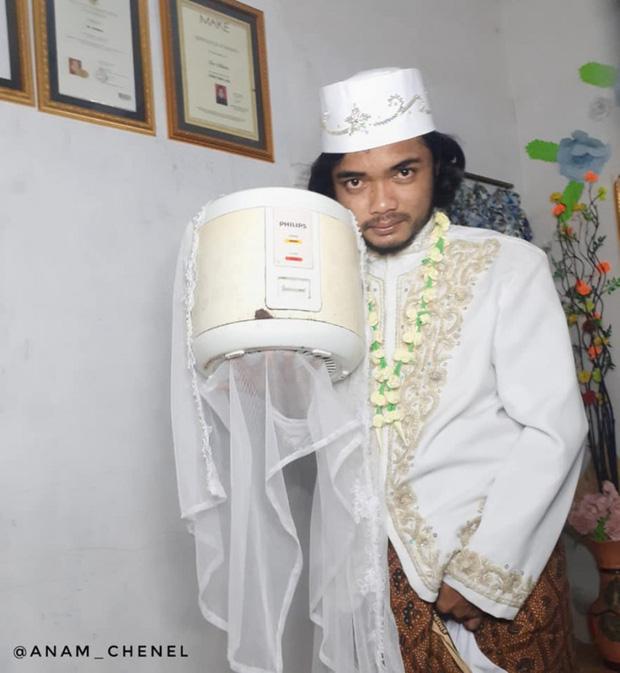 Kết hôn với nồi cơm điện do đáp ứng tiêu chuẩn trắng, tròn, biết nấu ăn, 4 ngày sau phải li dị vì ngấy - Ảnh 1.