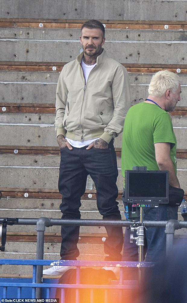 """Thế nào là đẹp """"cân"""" cả camera mờ nhoè và chấp luôn tuổi tác? Nhìn ảnh của David Beckham đi! - Ảnh 2."""