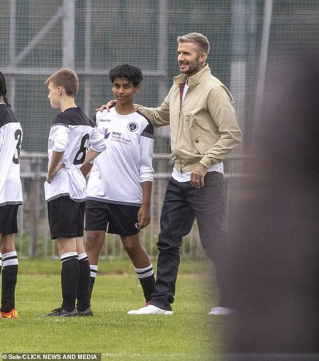 """Thế nào là đẹp """"cân"""" cả camera mờ nhoè và chấp luôn tuổi tác? Nhìn ảnh của David Beckham đi! - Ảnh 3."""
