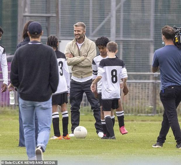 """Thế nào là đẹp """"cân"""" cả camera mờ nhoè và chấp luôn tuổi tác? Nhìn ảnh của David Beckham đi! - Ảnh 8."""