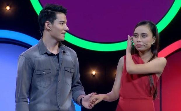 Loạt nụ hôn sặc mùi drama trên show hẹn hò: Người ngấu nghiến muốn nổi tiếng, kẻ chê đối phương... dễ dãi - Ảnh 6.