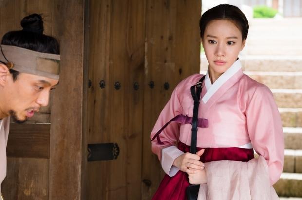 4 mỹ nhân Hàn bị dìm tơi tả ở tạo hình cổ trang: Yoona mất danh hiệu nữ thần, trùm cuối tới fan cũng nhận không ra - Ảnh 4.