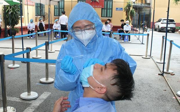 Chiều 1/10, Hà Nội phát hiện thêm 1 ca mắc Covid-19, là người chăm sóc bệnh nhân ở Bệnh viện Việt Đức - Ảnh 1.