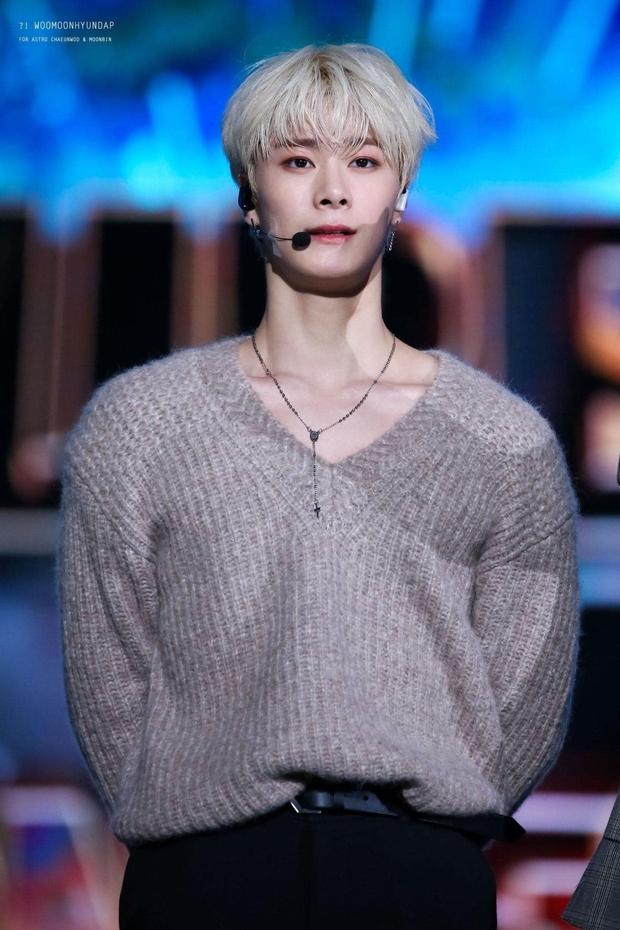 1 nam idol từng bị mắng xối xả trên sóng truyền hình Việt, sau 7 năm lột xác thành thần tượng giỏi bậc nhất Kpop - Ảnh 5.
