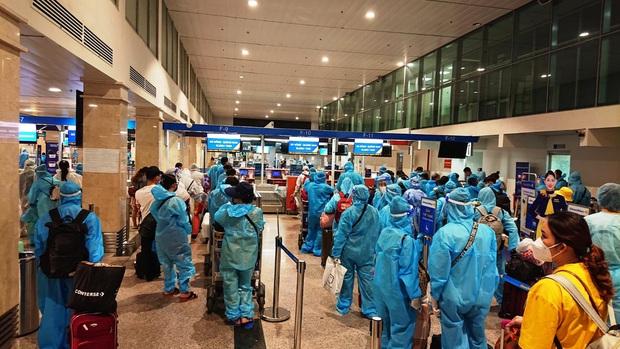 Pacific Airlines bố trí 4 chuyến bay đưa 750 người dân Quảng Nam về quê - Ảnh 1.