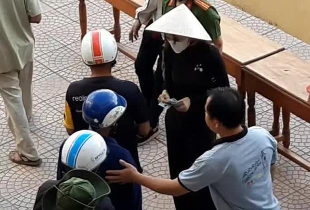 Thừa Thiên - Huế báo cáo việc từ thiện của ca sĩ Thủy Tiên lên Bộ Công an - Ảnh 1.