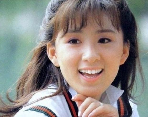 Ngỡ ngàng với visual hồi trẻ của bà cả Kim Hee Ae: Biểu tượng sắc đẹp một thời, diễn xuất đỉnh cao khó ai sánh bằng - Ảnh 3.