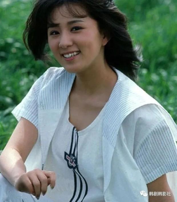 Ngỡ ngàng với visual hồi trẻ của bà cả Kim Hee Ae: Biểu tượng sắc đẹp một thời, diễn xuất đỉnh cao khó ai sánh bằng - Ảnh 7.