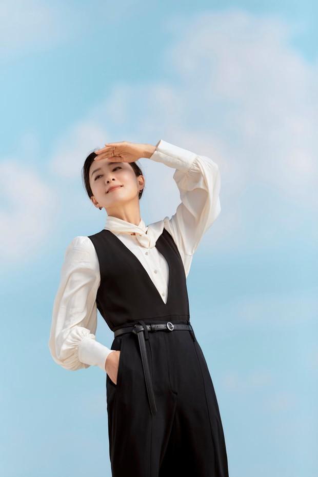 Ngỡ ngàng với visual hồi trẻ của bà cả Kim Hee Ae: Biểu tượng sắc đẹp một thời, diễn xuất đỉnh cao khó ai sánh bằng - Ảnh 9.