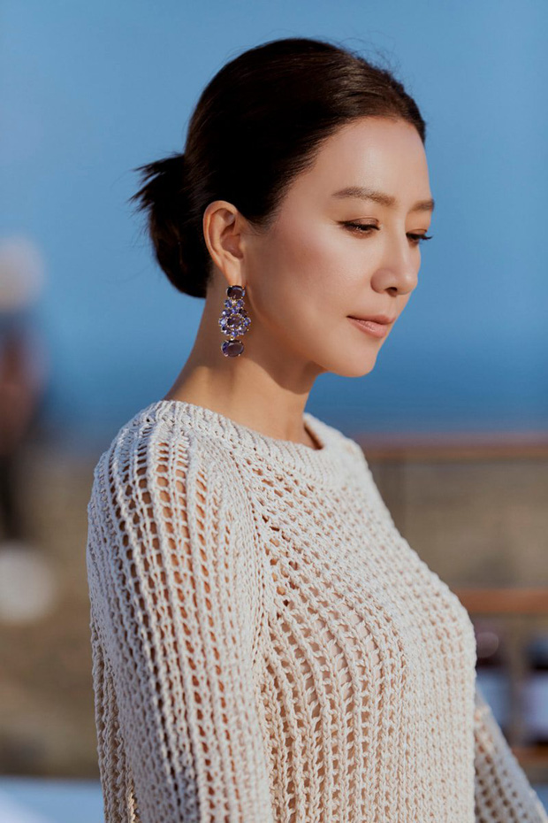 Ngỡ ngàng với visual hồi trẻ của bà cả Kim Hee Ae: Biểu tượng sắc đẹp một thời, diễn xuất đỉnh cao khó ai sánh bằng - Ảnh 11.