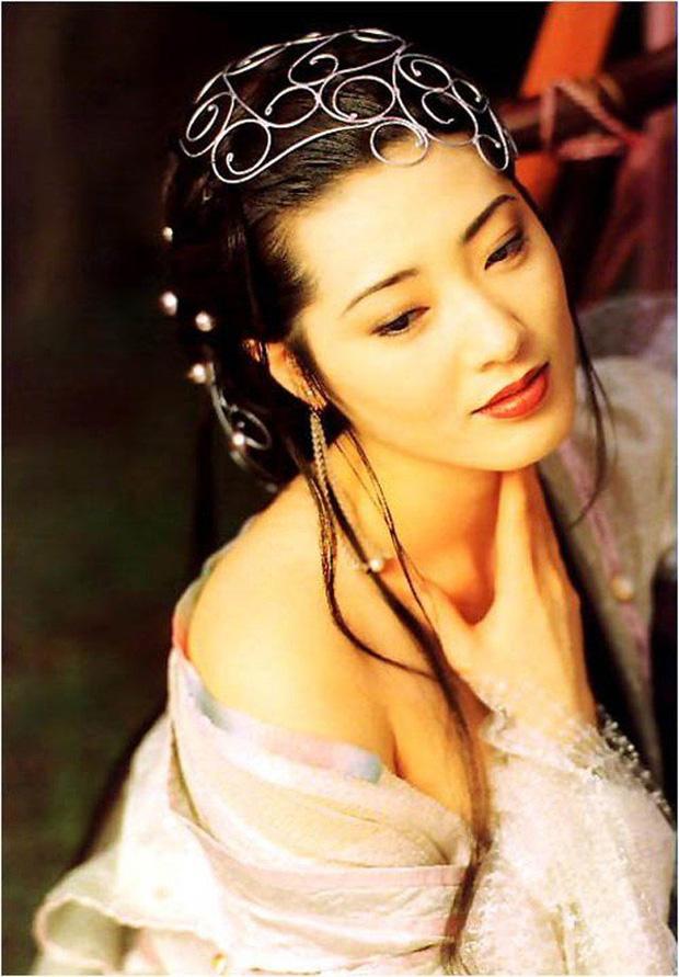 5 mỹ nhân lẳng lơ nhất màn ảnh Hoa ngữ: Số 1 si mê Chung Hán Lương như điếu đổ, trùm cuối xứng danh biểu tượng sex Hong Kong - Ảnh 8.