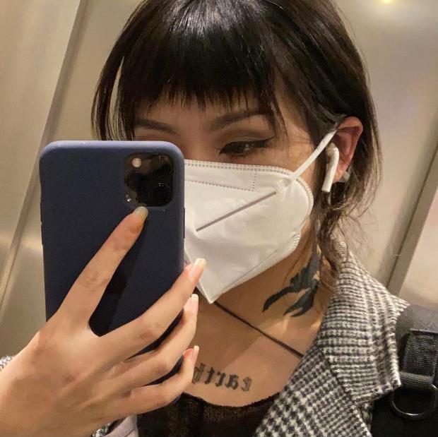 Dù lộ hint đang dùng iPhone nhưng Lisa (BLACKPINK) vẫn được netizen tấm tắc khen ngợi là đại sứ có tâm, nhìn ảnh selfie là hiểu vì sao! - Ảnh 6.