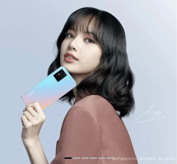 Dù lộ hint đang dùng iPhone nhưng Lisa (BLACKPINK) vẫn được netizen tấm tắc khen ngợi là đại sứ có tâm, nhìn ảnh selfie là hiểu vì sao! - Ảnh 3.