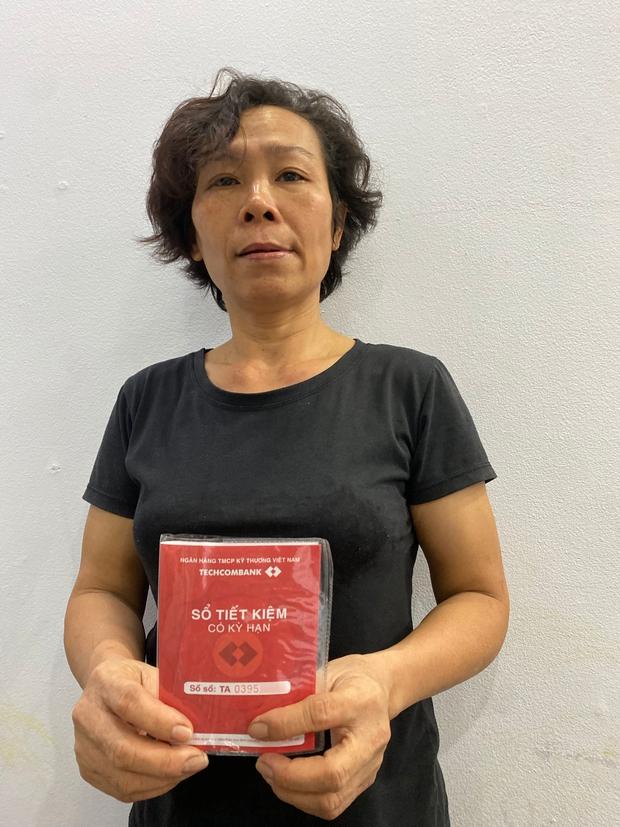 Xôn xao sổ tiết kiệm mẹ Hồ Văn Cường cầm là mẫu mới nhất, không phải sổ cũ lập từ đầu như lời quản lý NS Phi Nhung nói - Ảnh 3.