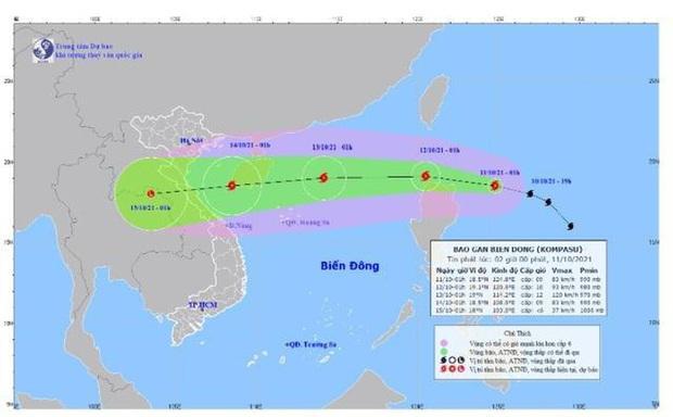 Bão Kompasu giật cấp 11, dự kiến vào Biển Đông trong 24 giờ tới - Ảnh 1.