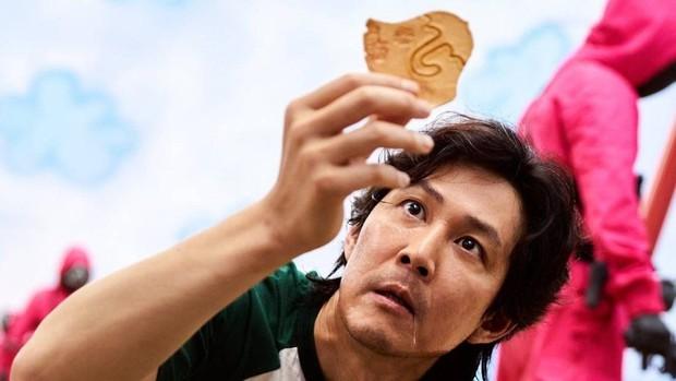 Ngỡ ngàng với cát-xê dàn cast Squid Game nhận sau mỗi tập phim: Lee Jung Jae thế nào mà cao gấp 12 lần nữ chính - Ảnh 1.
