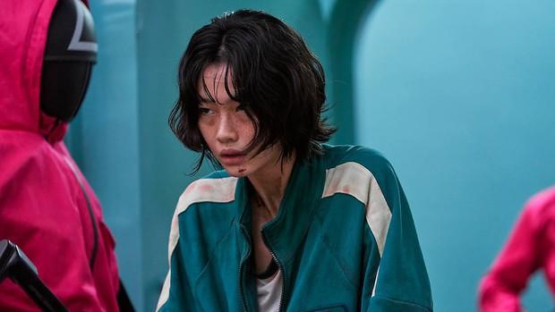 Ngỡ ngàng với cát-xê dàn cast Squid Game nhận sau mỗi tập phim: Lee Jung Jae thế nào mà cao gấp 12 lần nữ chính - Ảnh 3.