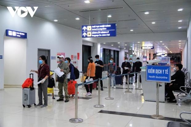 Hành khách đến Cảng Hàng không quốc tế Cát Bi không phải cách ly y tế tập trung - Ảnh 1.
