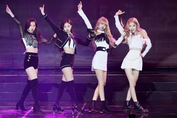 Knet chọn idol hát live đỉnh nhất Kpop: BLACKPINK không đọ lại gà nhà SM, BTS hoàn toàn bay màu? - Ảnh 1.