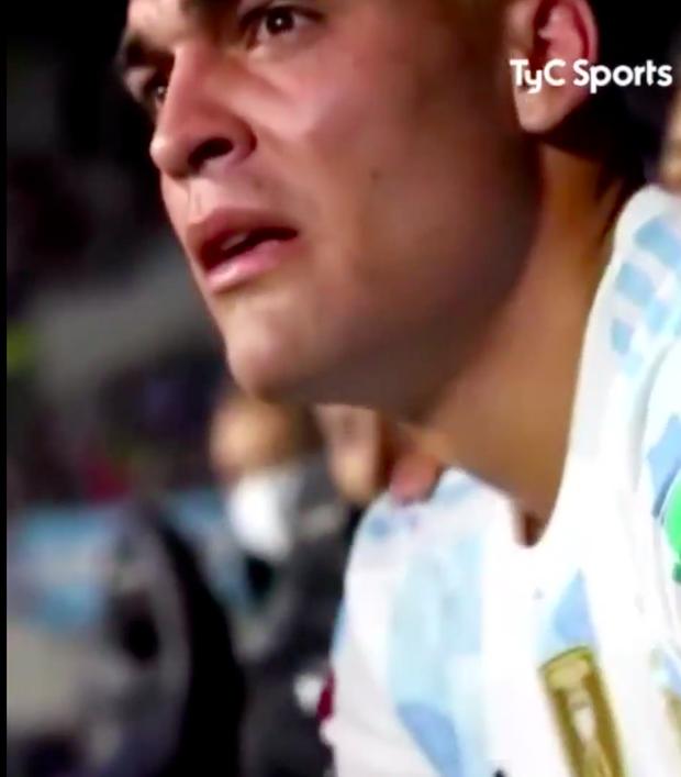 Đồng đội ăn ý của Messi gục khóc khi bị thay ra khỏi sân, lời giải thích khiến fan không khỏi băn khoăn - Ảnh 1.