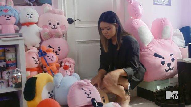 Cô nàng gốc Việt chi hơn 1 tỷ cho thần tượng Kpop, được mời lên truyền hình Mỹ chia sẻ về bộ sưu tập khủng với nhiều mức giá giật mình - Ảnh 5.
