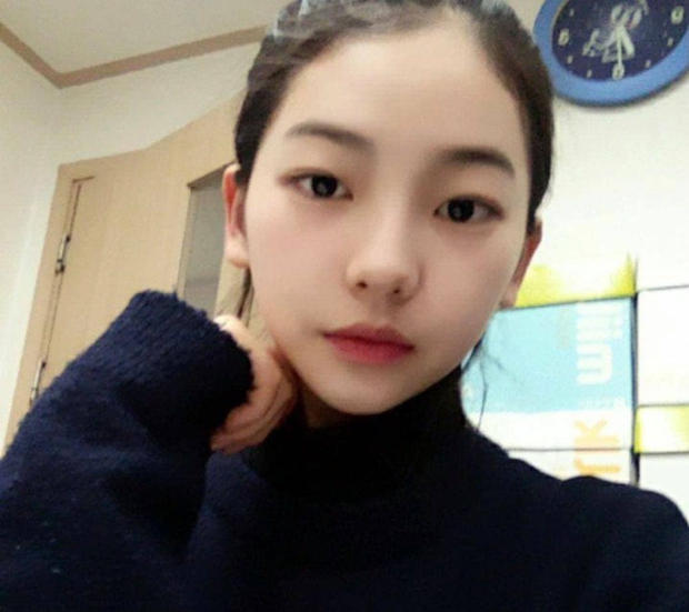 So kè ảnh pre-debut của visual ITZY và aespa: Yuna nhan sắc khó tìm ở phố đi bộ, Karina xinh có tiếng nhưng bị nghi dao kéo? - Ảnh 22.