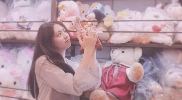 So kè ảnh pre-debut của visual ITZY và aespa: Yuna nhan sắc khó tìm ở phố đi bộ, Karina xinh có tiếng nhưng bị nghi dao kéo? - Ảnh 1.