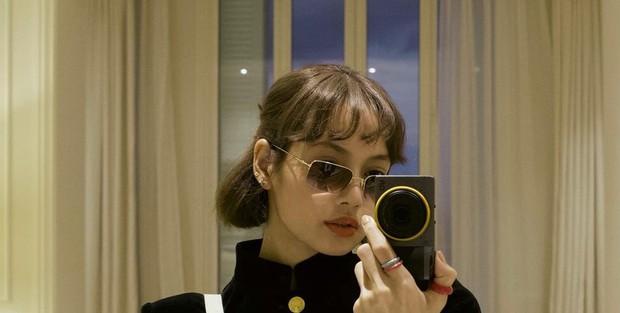 Lisa lần đầu lộ diện sau bão drama với YG: Trông ra dáng gái Pháp quá trời, đúng là sang trời Tây có khác! - Ảnh 2.