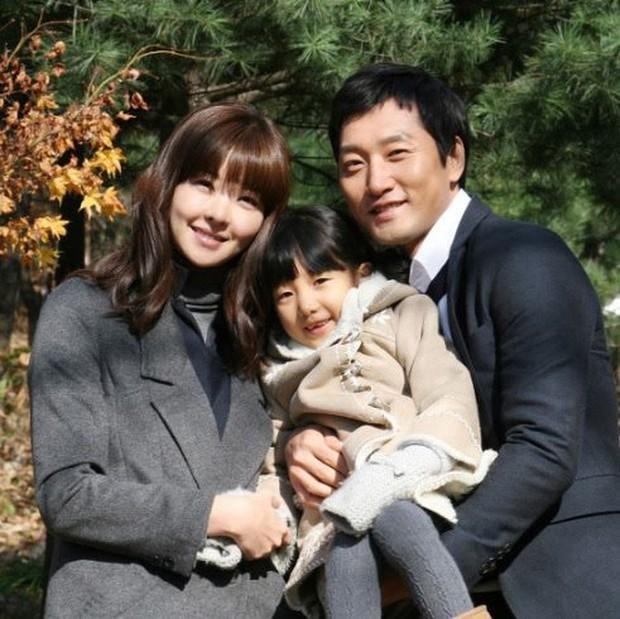 Đời bi kịch của nữ diễn viên xứ Hàn: Chồng bị anh họ sát hại để chiếm 1360 tỷ thừa kế, con gái 7 tuổi giờ luôn hỏi bố ở đâu - Ảnh 3.