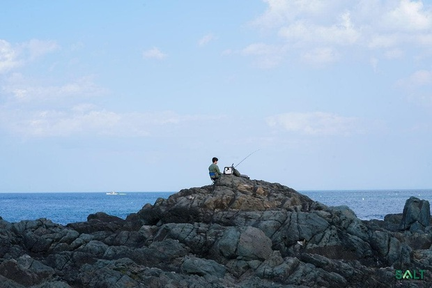 Hometown Cha-Cha-Cha: Ốc đảo yên bình xoa dịu tâm hồn khán giả! - Ảnh 12.