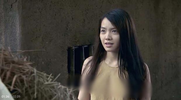 Mỹ nhân Việt quên mặc áo ngực trên phim: Số 1 có khác gì lột sạch, dàn dưới thế nào mà khán giả tạm tha? - Ảnh 4.