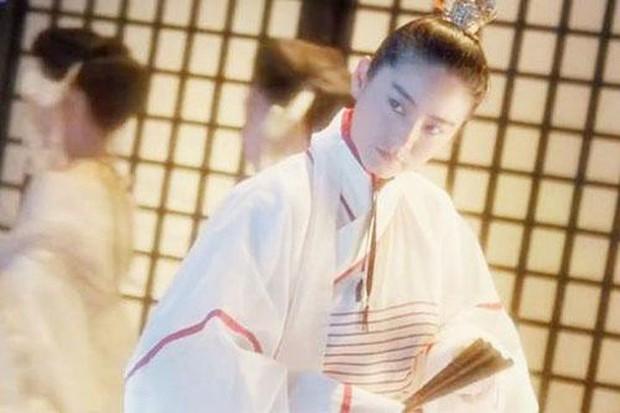 Đây chính là mỹ nhân giả trai đỉnh nhất màn ảnh Hoa ngữ, visual chuẩn soái ca khiến phụ nữ cũng phải mê mẩn - Ảnh 5.