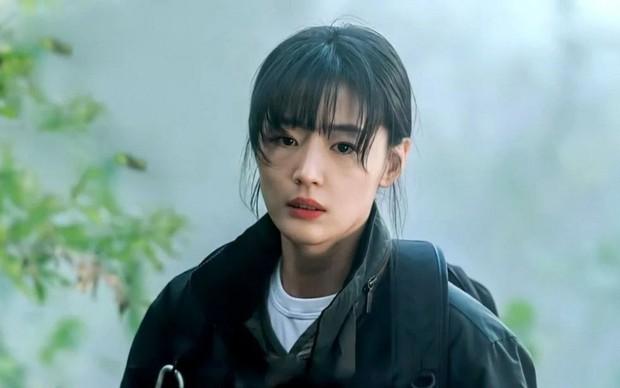 Mợ chảnh Jeon Ji Hyun trở lại không thể xuất sắc hơn: Nhan sắc choáng ngợp so với 20 năm trước, ăn thịt Đường Tăng hay gì? - Ảnh 7.