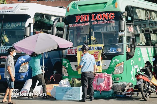 Xe khách liên tỉnh đi và đến TP.HCM dự kiến hoạt động từ ngày mai 13/10 - Ảnh 1.