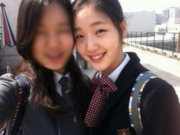Kim Go Eun gây bão khi diện đồng phục trung học chuẩn nàng thơ, ngó tới visual ảnh thẻ càng đỉnh cao hơn - Ảnh 3.