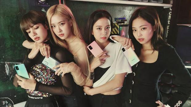 Nhìn lại 1001 tình huống BLACKPINK đắc tội với Samsung, thế này bảo sao netizen không tranh cãi - Ảnh 1.
