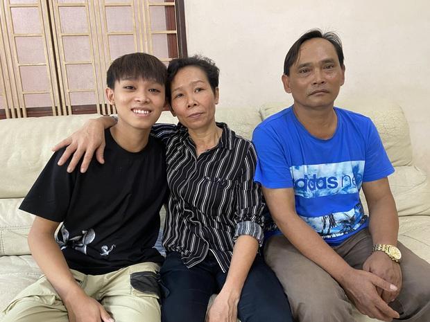 Bố mẹ ruột Hồ Văn Cường làm gì khi còn ở nhà Phi Nhung, được trả bao nhiêu và cuộc sống thế nào? - Ảnh 2.