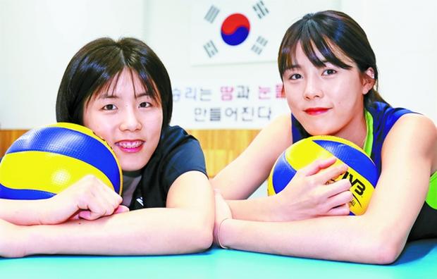 Bê bối không hồi kết của cặp nữ thần bóng chuyền Hàn Quốc: Bắt nạt bạn học chưa lắng đã bị tố bạo hành khiến chồng bị sang chấn tâm lý - Ảnh 1.