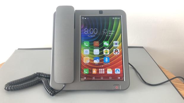 Cận cảnh chiếc điện thoại bàn thông minh chạy Android đang hot trên MXH những ngày qua - Ảnh 12.