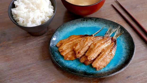 Không phải sữa, đây mới là món ăn được người Nhật ưa chuộng vì cực giàu canxi giúp xương chắc khỏe, chợ Việt Nam bán nhiều - Ảnh 3.