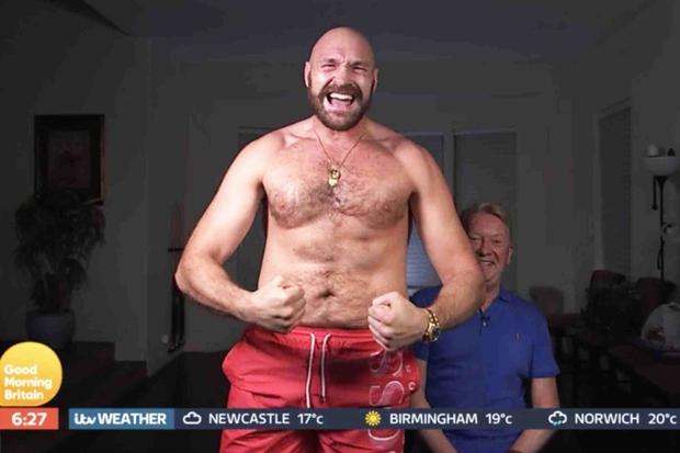 Tyson Fury và hành trình lột xác ngoạn mục từ bệnh nhân trầm cảm nặng 180kg tới tay đấm khiến cả thế giới phải ngước nhìn - Ảnh 5.