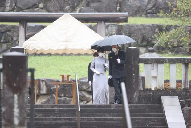 Công chúa Nhật Bản lộ diện giữa lúc đám cưới bị phản đối dữ dội, 1 mình thực hiện nguyện vọng cuối trước khi chính thức rời hoàng gia - Ảnh 2.