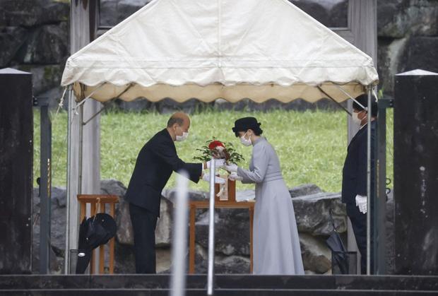 Công chúa Nhật Bản lộ diện giữa lúc đám cưới bị phản đối dữ dội, 1 mình thực hiện nguyện vọng cuối trước khi chính thức rời hoàng gia - Ảnh 3.